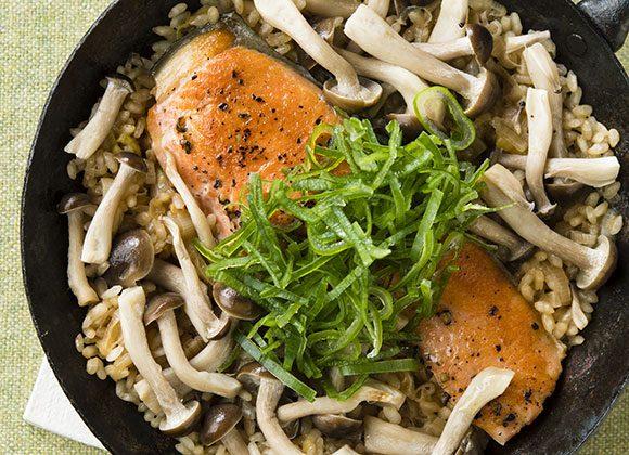 1人用フライパンで作る鮭の炊き込みご飯