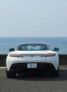 Aston Martin DB11 V8|第2の世紀を迎えた最初のモデルはクールビューティ。
