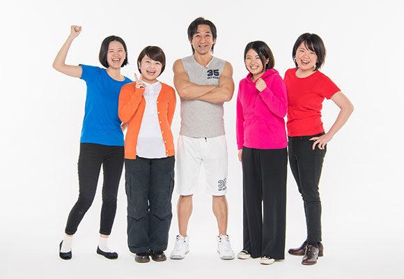 大嶋千尋さん、西山春希さん、トレーナーの坂詰真二さん、黒澤祐美さん、門上奈央さん